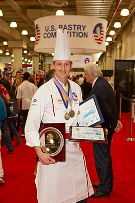 John Cook ] is the U.S. Pastry Competition Pastry Chef of the Year 2017