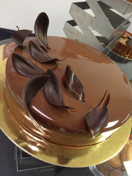 paris gourmet specialty food importer cake